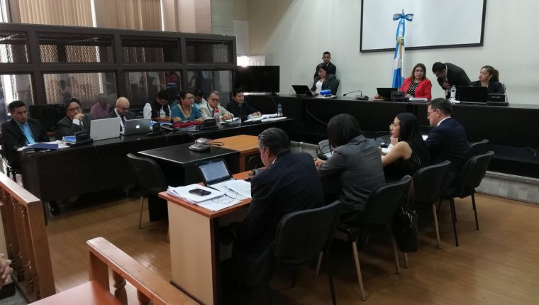 El Tribunal de Mayor Riesgo B rechazó que 12 fincas usurpadas por los Mendoza pasen al Estado. (Foto Prensa Libre: Kenneth Monzón)