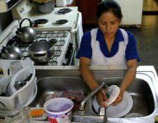 OIT denuncia que las mujeres siguen trabajando más que los hombres en la mayoría de hogares respecto del trabajo no remunerado. (Foto: Hemeroteca PL)