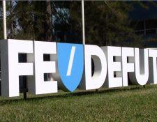 El anterior comité cambió el logo de la Fedefut, contrario a lo que dice el estatuto. (Foto Prensa Libre: Luis López).