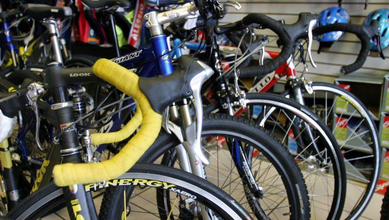 El robo de bicicletas profesional se ha incrementado, según quienes practican deporte con este tipo de vehículo.(Foto Prensa Libre: Hemeroteca PL)