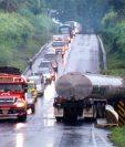 La campaña de la DGT va enfocada a evitar accidentes de buses y transporte de carga en la época de lluvia. (Foto Prensa Libre: Hemeroteca PL)