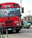El transporte público puede funcionar pero con restricciones por la pandemia. (Foto Prensa Libre: Hemeroteca PL)