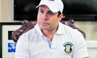 Neto Bran, alcalde de Mixco.  Declaraciones a la prensa sobre su asesor Hector Valdez.  Fotografía Esbin Garcia