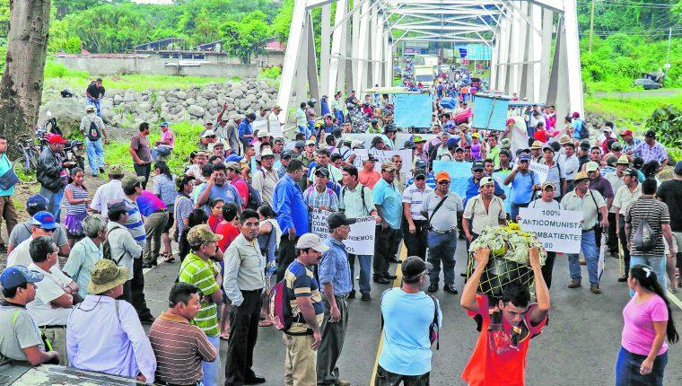 Exmilitares exigen una indemnización de Q85 mil, una casa y un seguro de vida. (Foto Prensa Libre: Hemeroteca PL)
