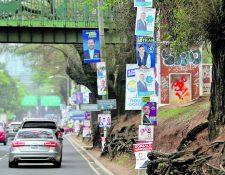 La propaganda electoral que ha sido retirada de las calles capitalinas ha sido trasladada al vertedero de la zona 3.(Foto Prensa Libre: Hemeroteca PL)