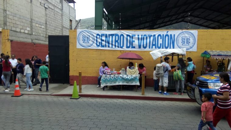 La participación ciudadana ha sido baja en las urnas. (Foto Prensa Libre)