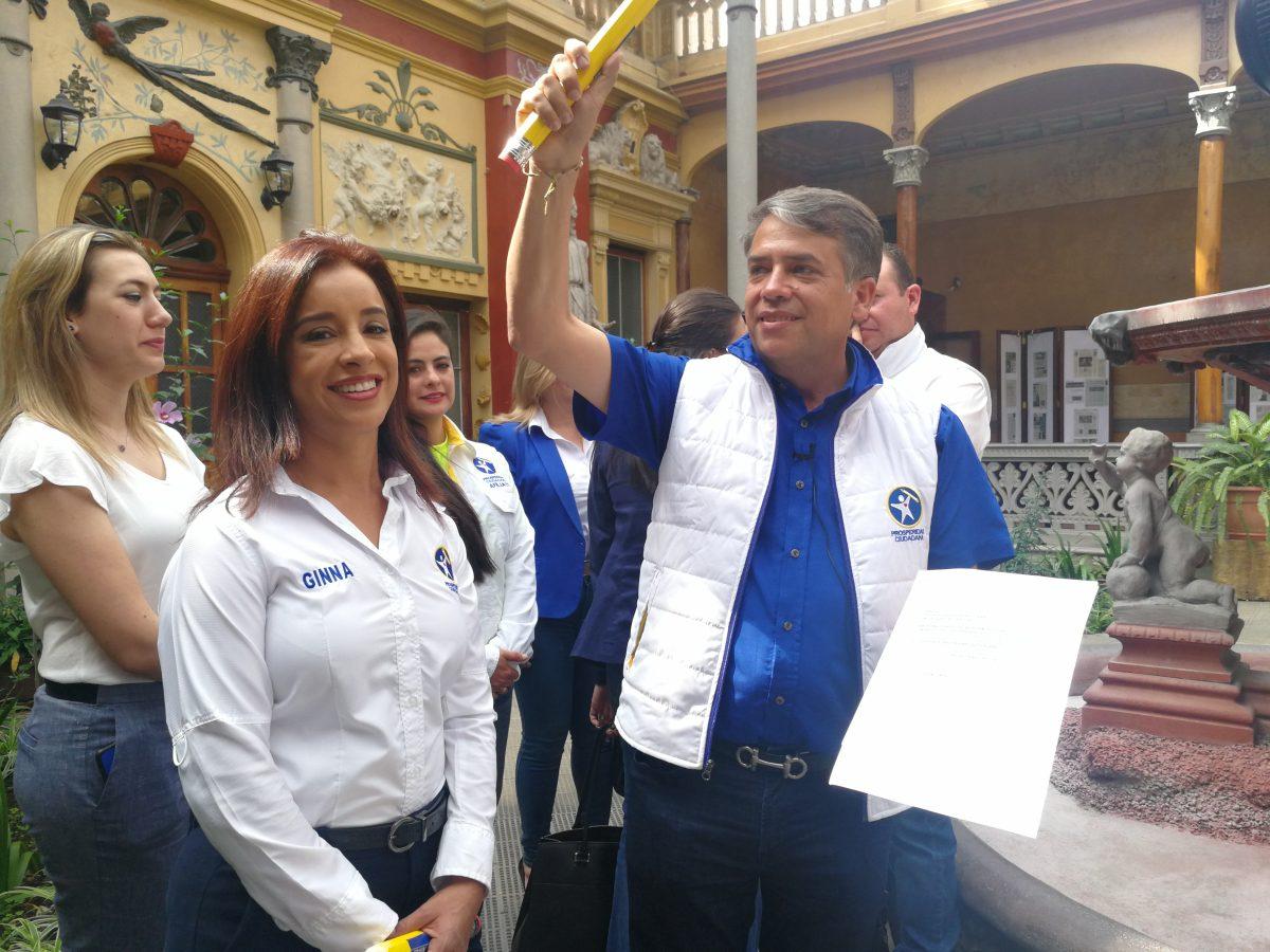 Edwin Escobar se aferra a su participación política en las elecciones presidenciales