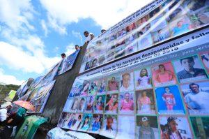 Los pobladores ahora han sido enviados a varios lugares donde tratan de normalizar sus actividades.  Foto Prensa Libre: Carlos Hernández