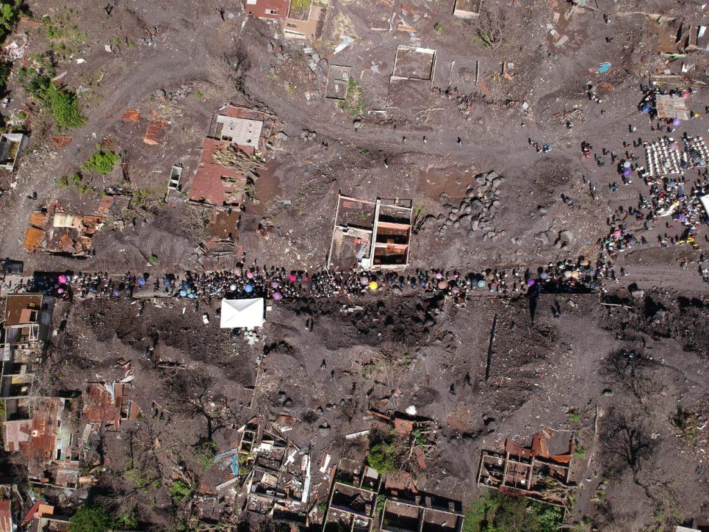 El dolor se mezcla con la tristeza durante la marcha.  Foto Prensa Libre: Carlos Hernández