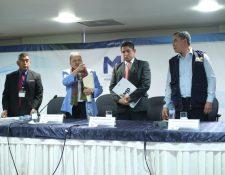 La fiscal General, María Consuelo Porras, junto con los fiscales José Curruchiche, Stuardo Campo y Nilson Castillo. (Foto Prensa Libre: Érick Ávila)