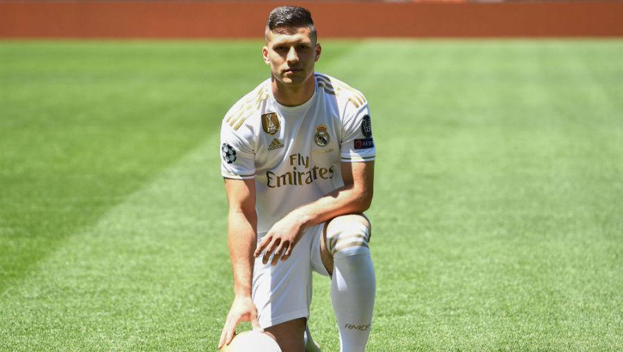 El Real Madrid presenta a Luka Jovic y el delantero serbio promete ganar la Champions League