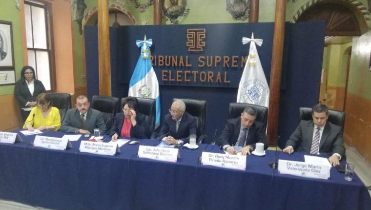 Los magistrados del Tribunal Supremo Electoral llamaron a la calma. (Foto Prensa Libre: Juan Diego González)