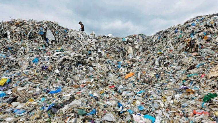 Canadá busca reducir su huella ecológica prohibiendo los plásticos que se usan una vez y se desechan. (Foto Prensa Libre: tomada de Greenpeace)