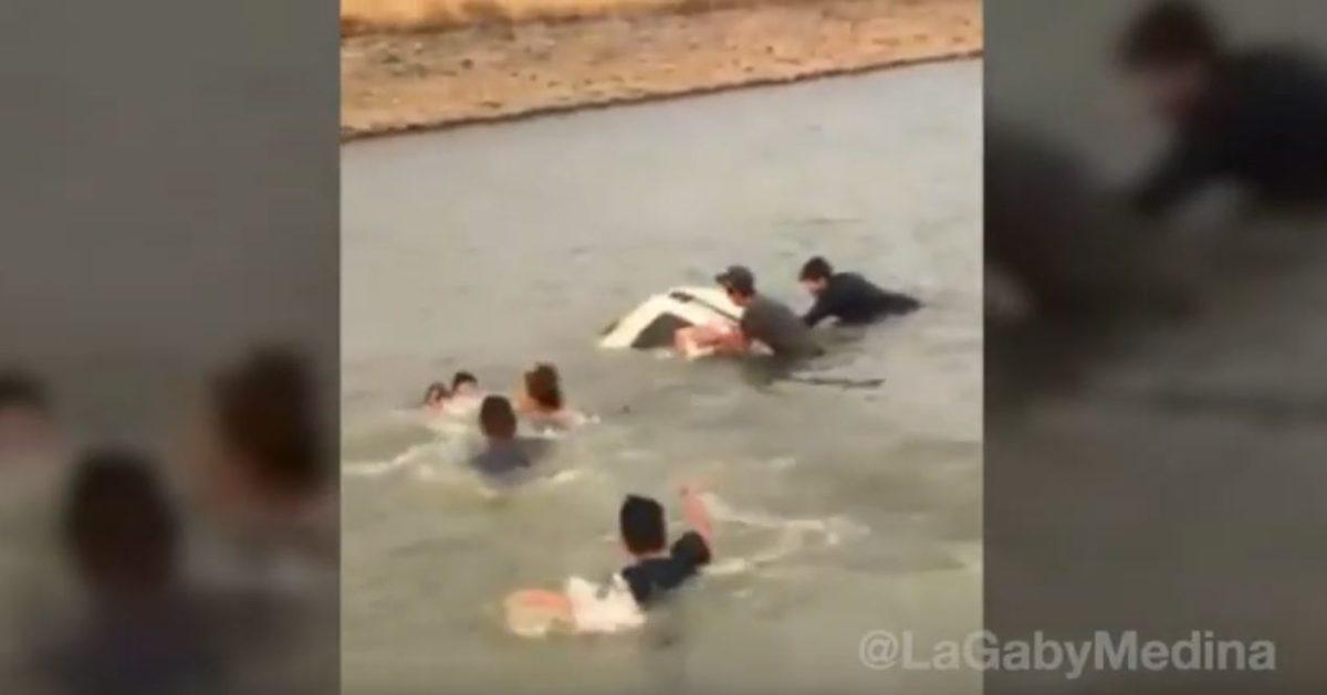 Video | Dramático rescate de una familia que no sabía nadar y su vehículo cayó a una presa en México
