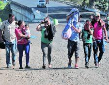 Debido a que las autoridades temen que niños migrantes sean víctimas de explotación se propone el realizar pruebas de ADN a los menores y a los adultos con quienes viajan, pero esto según expertos es inviable. (Foto Prensa Libre: Hemeroteca PL)