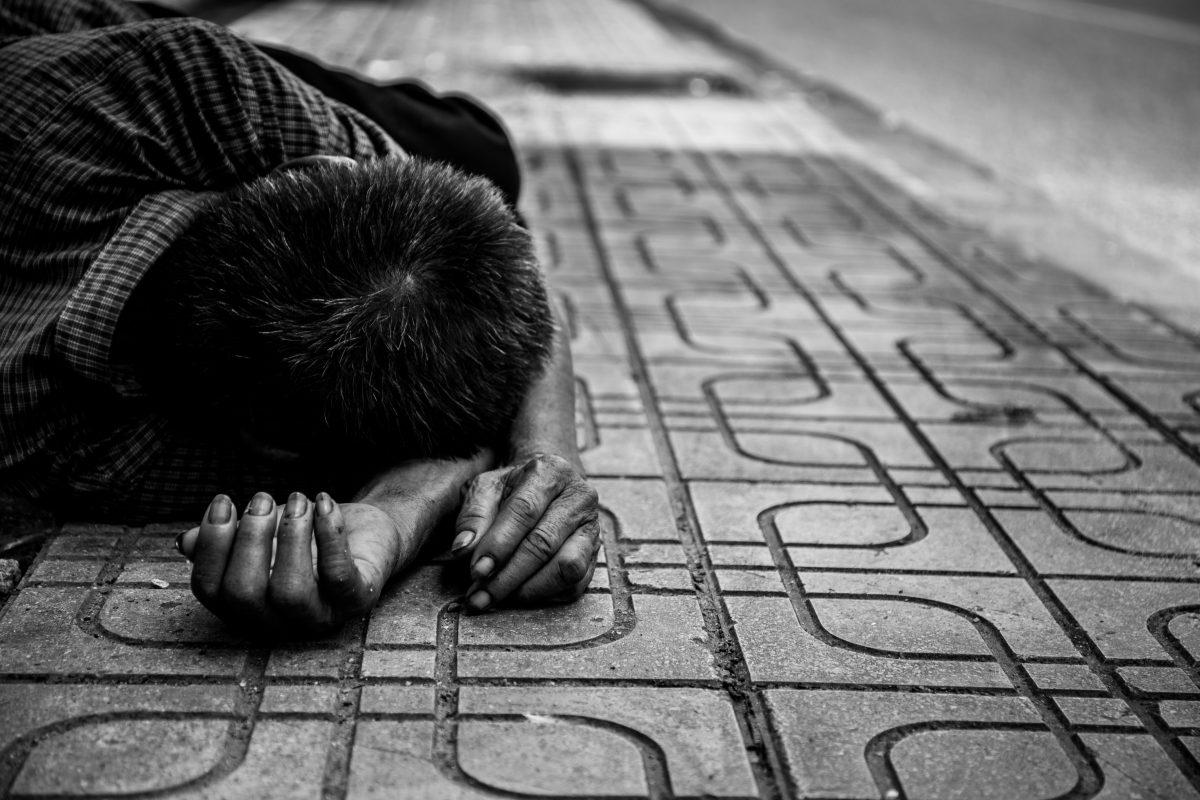 Dos niños por mes son abandonados a su suerte en la capital
