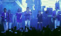 La cantante guatemalteca Paola Chuc compartió escenario con Los Ángeles Azules. (Foto Prensa Libre: Keneth Cruz)