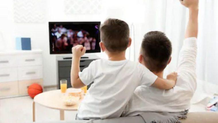 Los momentos compartidos entre padre e hijos son inolvidables. (Foto Prensa Libre: Servicios)