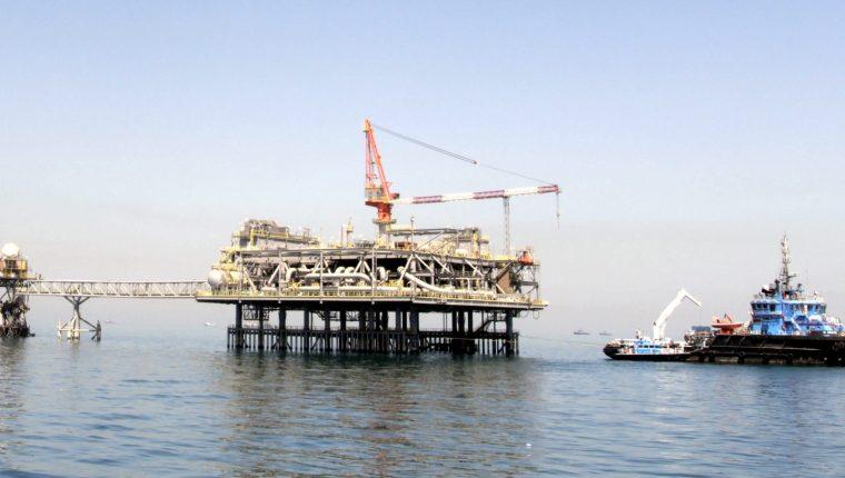 Las plataformas petrolíferas mundiales son evaluadas constantemente.  (Foto Prensa Libre: Hemeroteca PL)