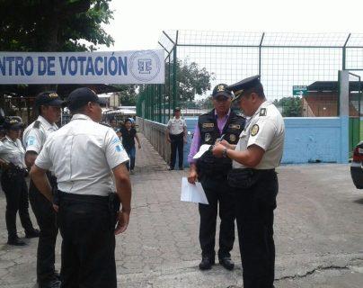 Un total de 42 mil agentes la Policía Nacional Civil brindarán seguridad durante los comicios de este domingo. (Foto Prensa Libre: Hemeroteca PL)