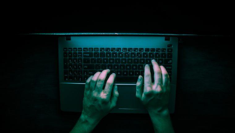 Las denuncias por delitos informáticos ha aumentado en los últimos cuatro años. (Foto Prensa Libre: Hemeroteca)