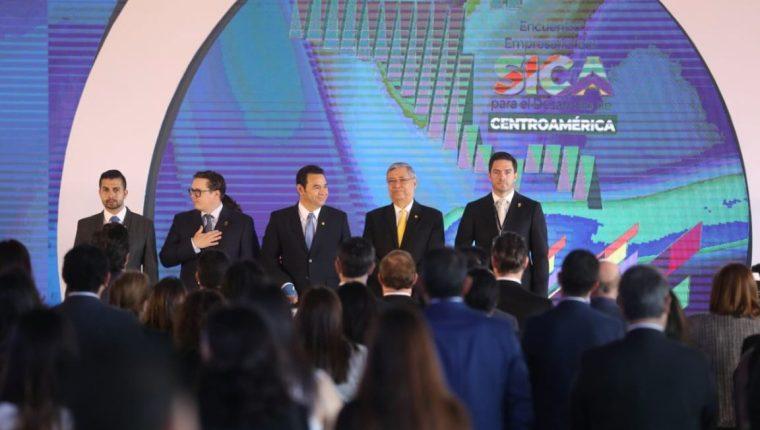Empresarios de Centroamérica presentaron recomendaciones a los presidentes para la facilitación del comercio en la región. (Foto Prensa Libre: Esbin García)
