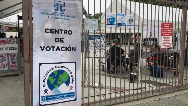En Los Ángeles poco menos de 300 votos se emitieron en la primera vuelta electoral. (Foto Prensa Libre: Marco López)
