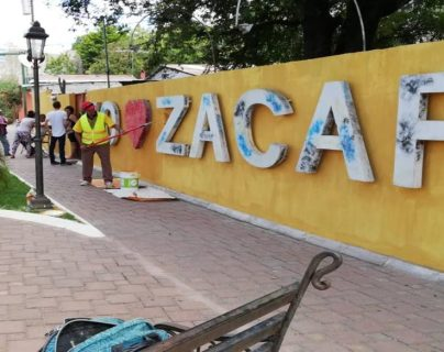 Los capturados extendían facturas por servicios no entregados, dice el MP. (Foto Prensa Libre: cortesía)