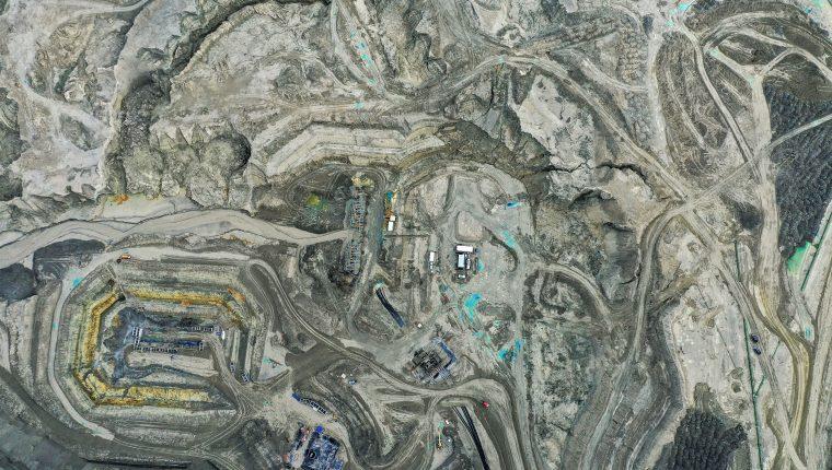 Fotografía aérea de una mina en Chile. (Foto Prensa Libre: AFP)