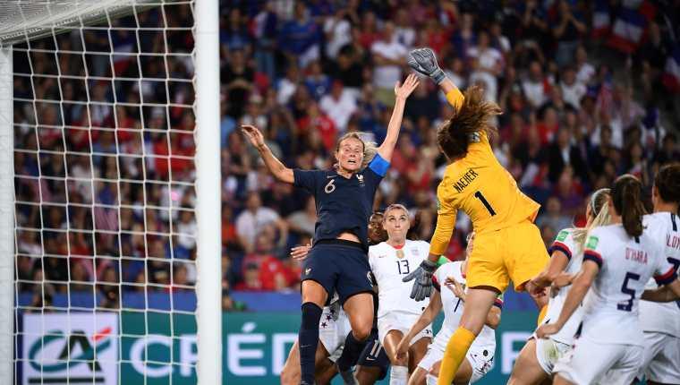 Aficionados machistas han criticado el futbol femenino durante el Mundial Francia 2019. (Foto Prensa Libre: AFP)