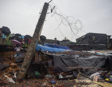 Muerte y desolación causaron las lluvias este martes en India. (Foto Prensa Libre: AFP)