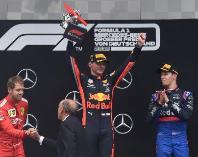 Max Verstappen celebra después de ganar en el Gran Premio de Alemania. (Foto Prensa Libre: AFP)