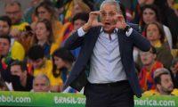 Tite estuvo atento a cada minuto del accionar de Brasil durante la final de la Copa Oro. (Foto Prensa Libre: AFP)