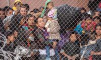 Migrantes en un centro de detención provisional en El Paso, Texas, en marzo. GETTY IMAGES