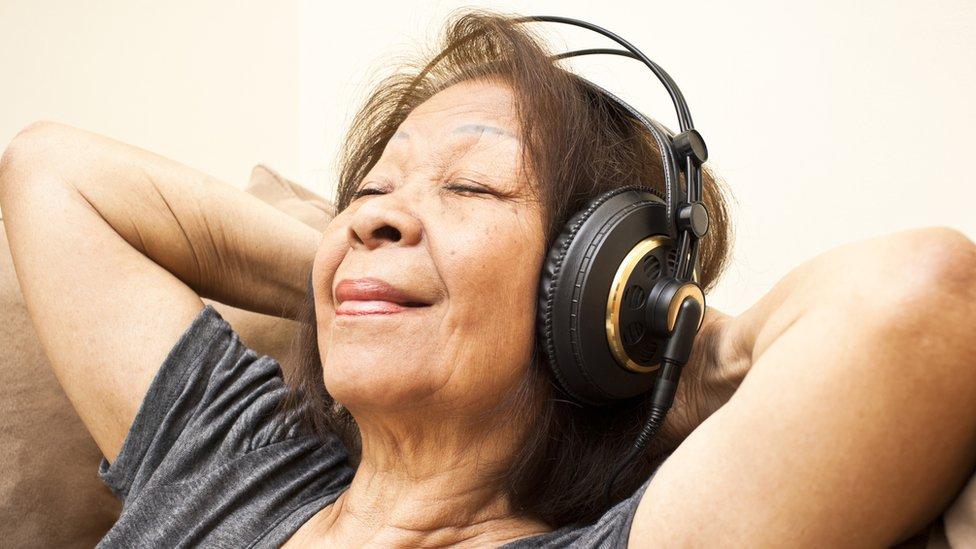 """El positivo efecto que tiene antes de una cirugía """"la canción más relajante del mundo"""""""