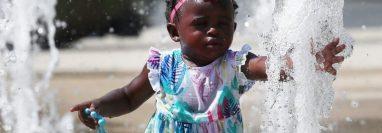 El Servicio Nacional de Meteorología instó a las personas a mantenerse hidratadas y a prestar especial cuidado a niños y ancianos,