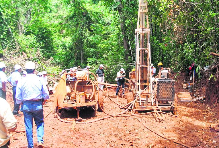 Suspensión de mina: Cuál es el impacto que traerá a El Estor la parálisis de la operación de níquel