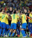 Los jugadores brasileños celebran el triunfo de su seleción en la Copa América. (Foto Prensa Libre: EFE)