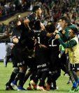 Los jugadores mexicanos celebran el título conseguido frente a Estados Unidos. (Foto Prensa Libre: EFE)