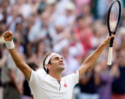 Roger Federer se impuso a Rafa Nadal y jugará por el título. (Foto Prensa Libre: EFE)