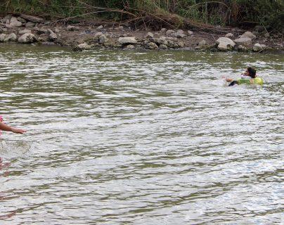 El Río Bravo hacia EE.UU. es uno de los puntos más usados por los migrantes para cruzar de México a Estados Unidos. (Foto Prensa Libre: EFE)