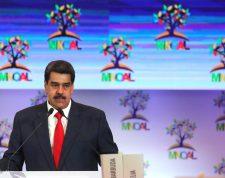 AME8384. CARACAS (VENEZUELA), 20/07/2019.- El presidente de Venezuela, Nicolás Maduro, habla este sábado durante la reunión del buró de coordinación del Movimiento de países No Alineados (Mnoal), en Caracas (Venezuela). Con un llamado a la paz y al respeto a la soberanía, el canciller de Venezuela, Jorge Arreaza, inauguró la reunión del buró de coordinación del Mnoal, en la que participan delegados de decenas de países pertenecientes al bloque. EFE/ Miguel Gutiérrez