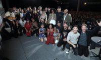 Fotografía cedida por Disney de las estrellas del universo cinematográfico de Marvel posando tras su evento en la Comic-Con este sábado en San Diego (EE.UU.). Foto Prensa Libre: EFE