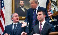 Los ministros del Interior de Guatemala y EE. UU. firmaron el convenio el pasado 26 de julio en la Oficina Oval de la Casa Blanca. (Foto Prensa Libre: Hemeroteca PL)