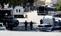 Gilroy (United States), 29/07/2019.- Law enforcement officers continue their investigations at Christmas Hill Park, where the Gilroy Garlic Festival was held in Gilroy, California, USA, 29 July 2019. A gunman fired upon patrons killing three and injuring 15 people at the popular annual event. Police killed the suspect, and a possible suspect is at large. Santino William Legan has been identified as the 19-year-old suspect from Gilroy. (Incendio, Estados Unidos) EFE/EPA/JOHN G. MABANGLO