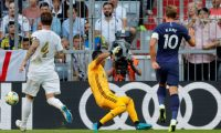 Munich (Germany), 30/07/2019.- Tottenham's Harry Kane (R) scores the opening goal during the Audi Cup soccer semi final match between Real Madrid and Tottenham Hotspur in Munich, Germany, 30 August 2019. (Abierto, Alemania) EFE/EPA/RONALD WITTEK
