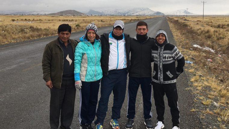 El equipo de Marcha trabaja en la Paz, Bolivia en temperaturas muy bajas. (Foto Prensa Libre: José Barrondo)