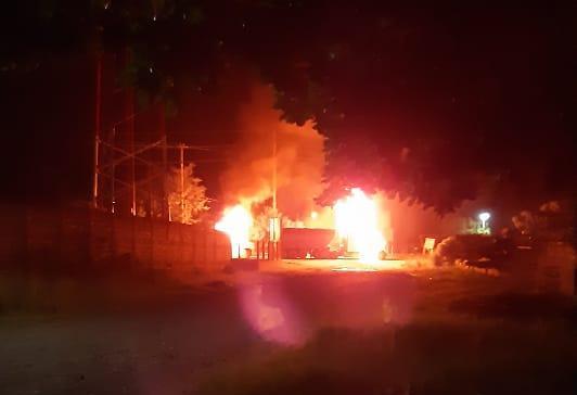 Izabal: Accidente mortal desemboca en disturbios y la quema de ocho vehículos