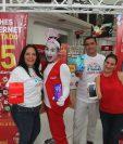 Durante tres días los guatemaltecos podrán adquirir smartphone a mitad de precio. Foto Norvin Mendoza