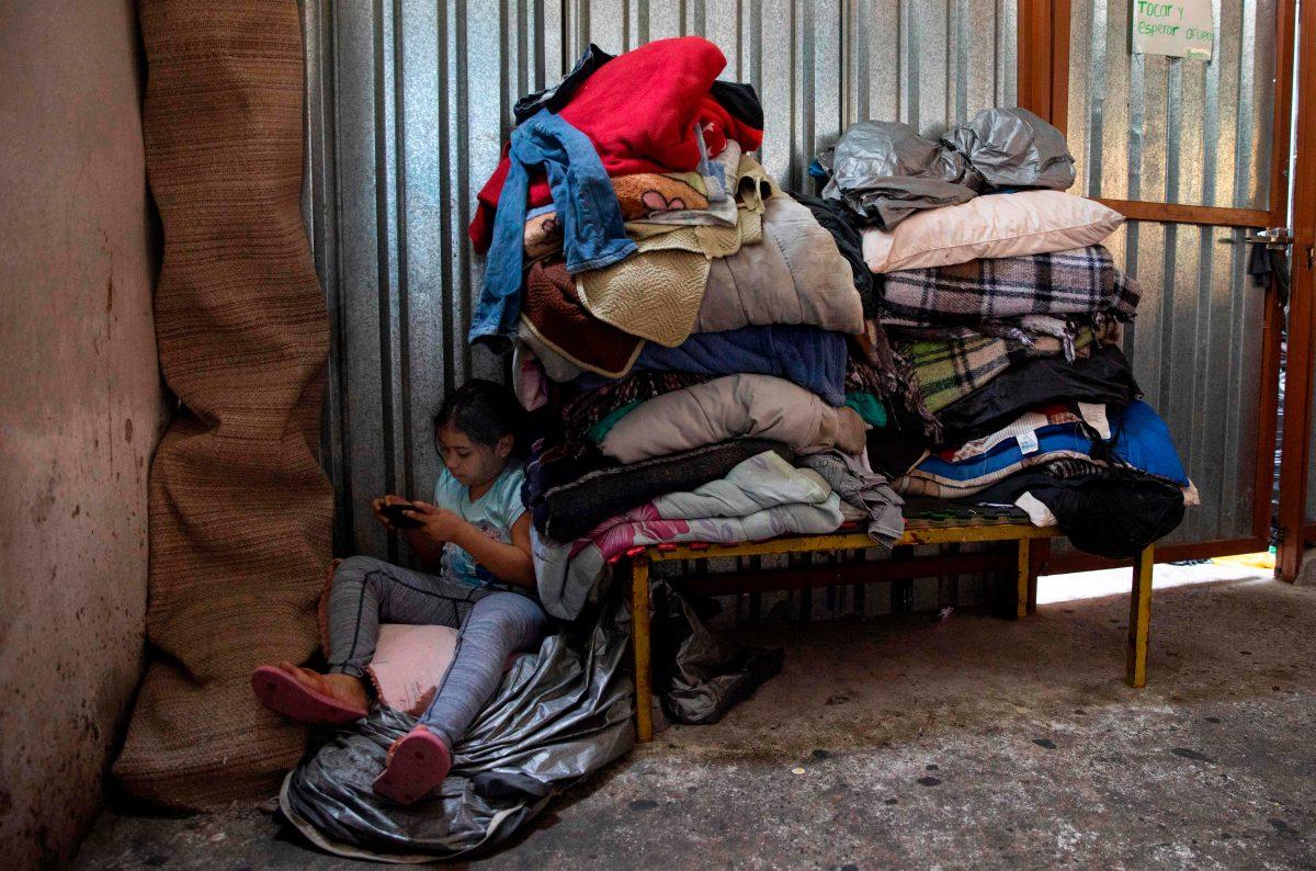 Albergues en México se desbordan mientras migrantes esperan respuesta a su solicitud de asilo